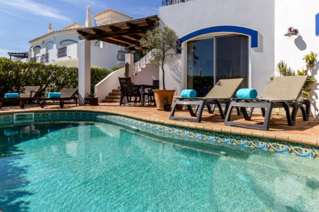 Traditional 3 Bedroom Townhouse with Private Pool