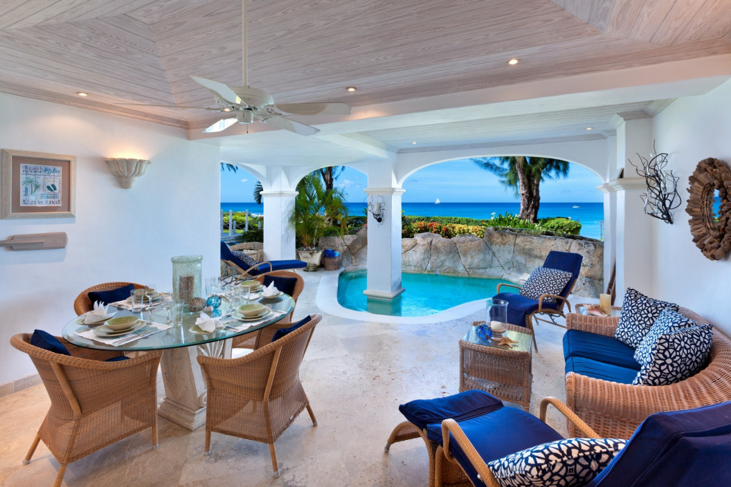 2 Bedroom Beach Front Apartment with Plunge Pool