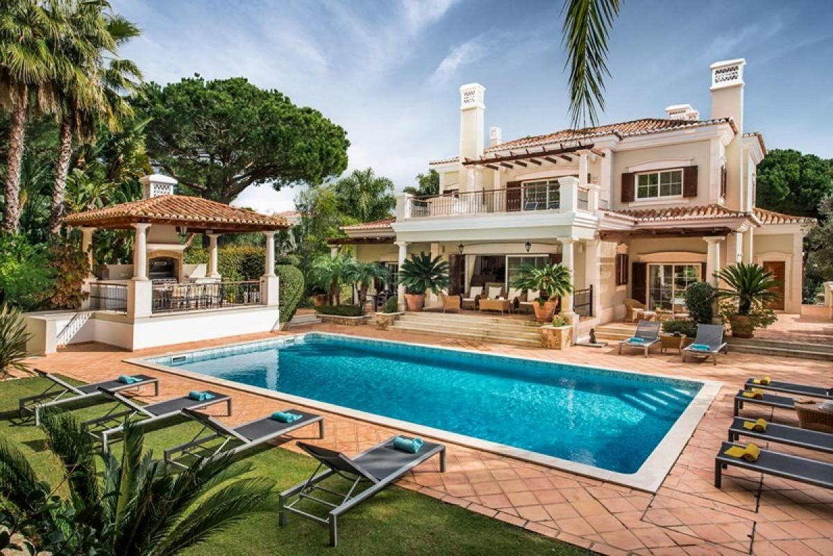 5 Bedroom Villa with Private Swimming Pool