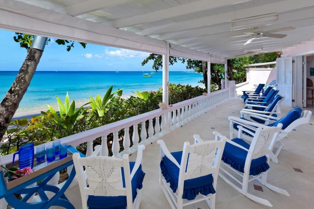 6 Bedroom Beachouse with Sea View
