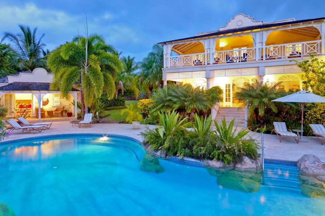 5 Bedroom Villa with Private Lagoon Pool, Garden & Gym