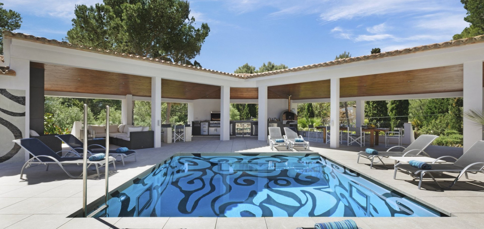 Luxury Villas Algarve to Rent for Holiday in Portugal with Private Pool - Villa Cuda