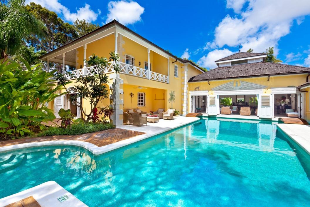 7 Bedroom Villa with Pool, Garden & Badminton Court