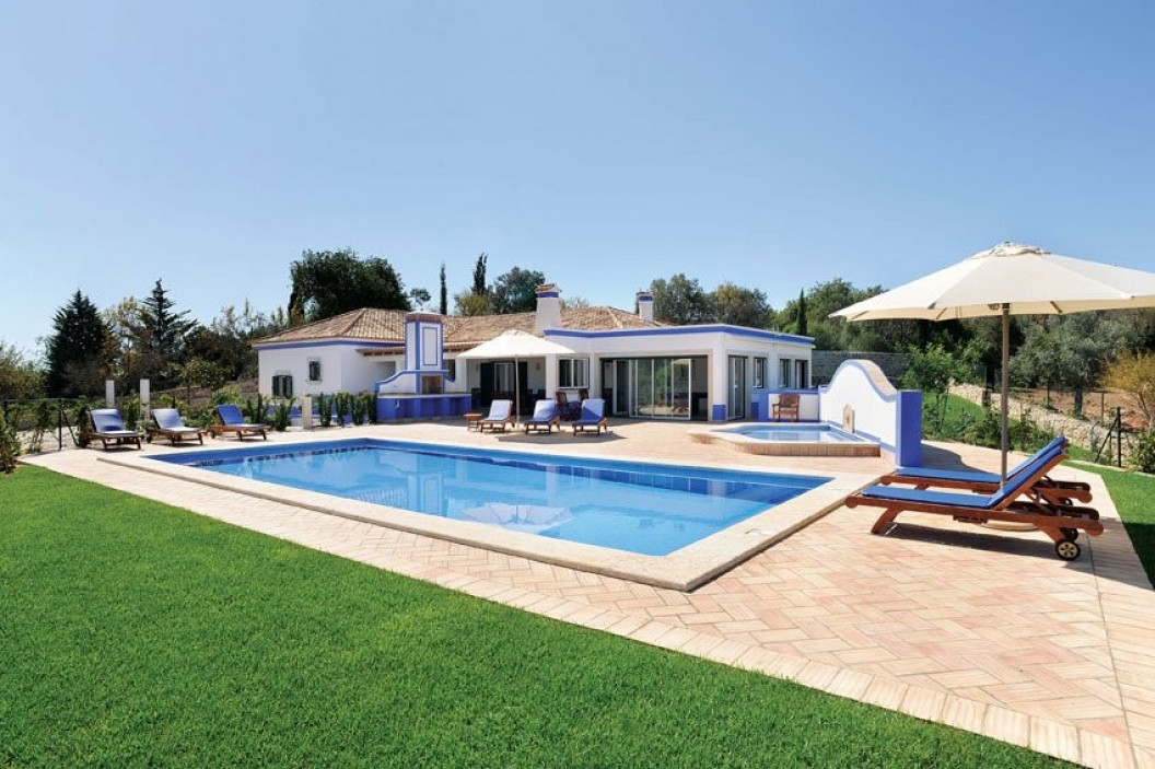 Traditional 3 Bedroom Villa with Games Room & Two Pools