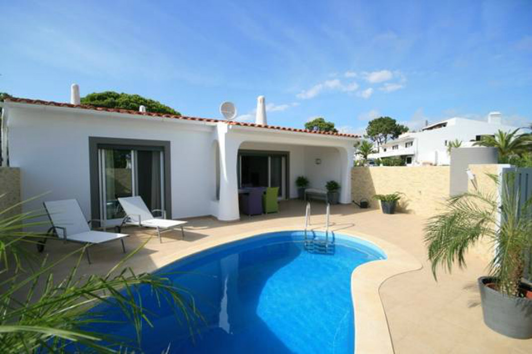 Modern 2 Bedroom Villa with Private Plunge Pool