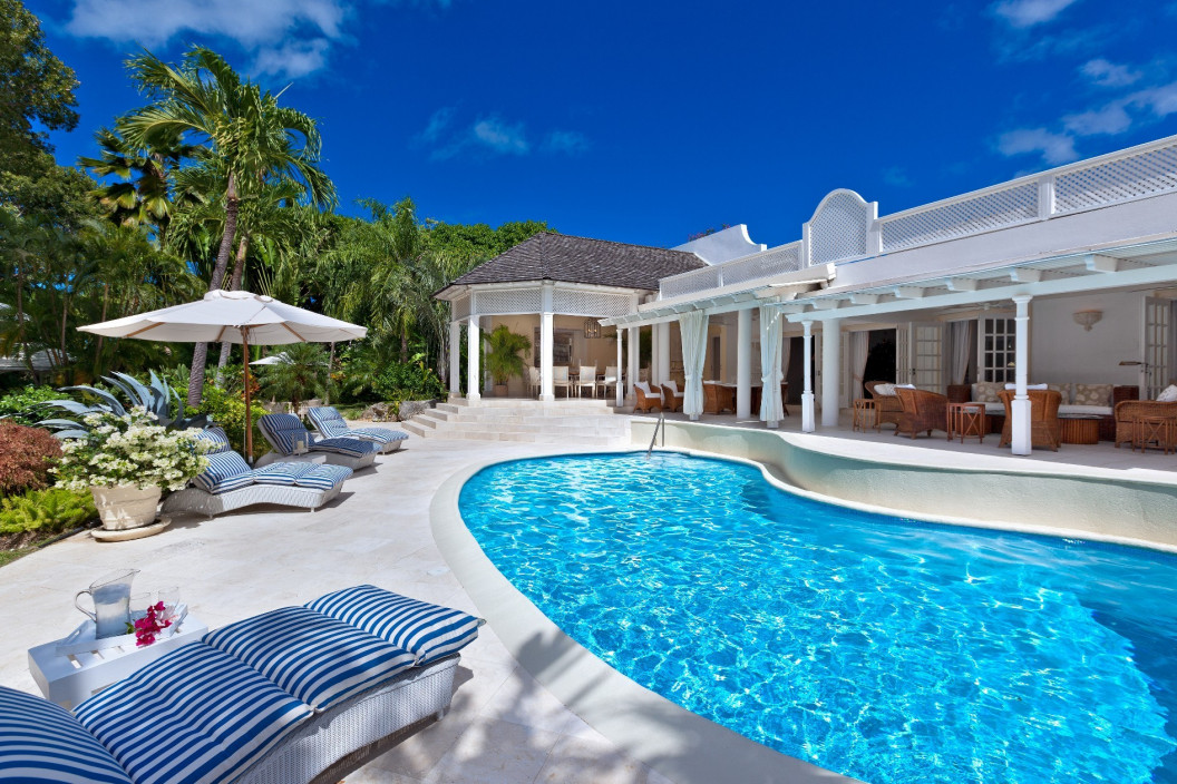 4 Bedroom Villa with Tropical Gardens & Private Pool