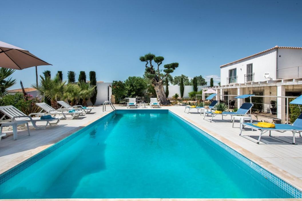 5 Bedroom Villa | Almancil | Private Pool and Near Restaurants