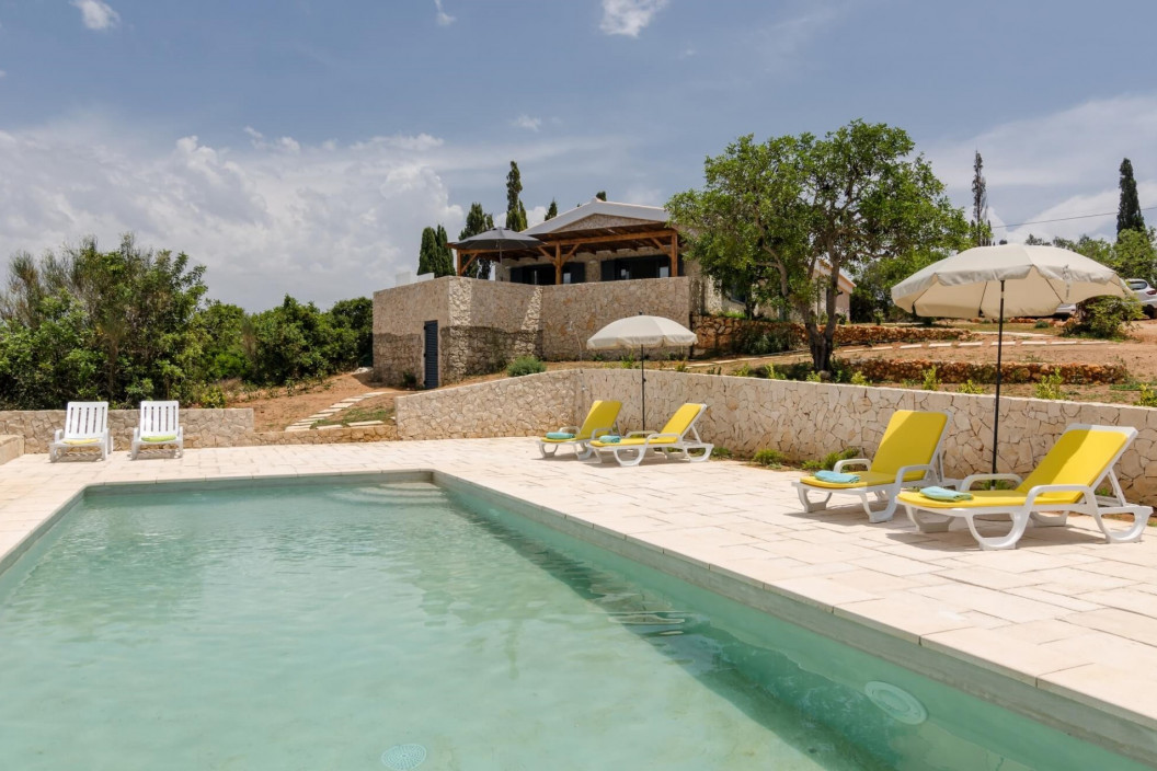 3 Bedroom Villa | Ferragudo | Walking Distance to the Beach