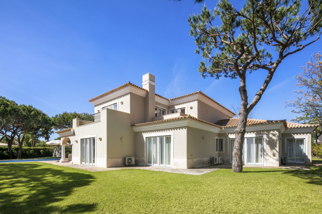 4 Bedroom Villa with Pool & Private Terrace