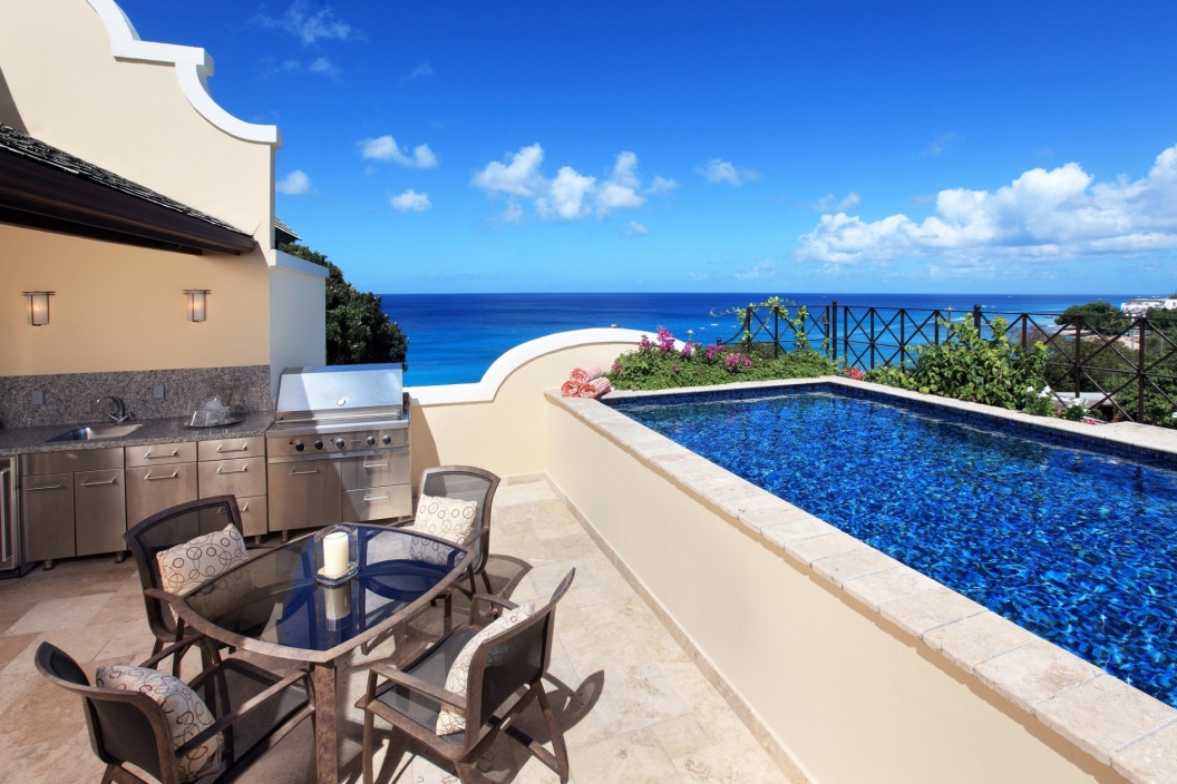 Modern 4 Bedroom Beachfront Penthouse with Pool