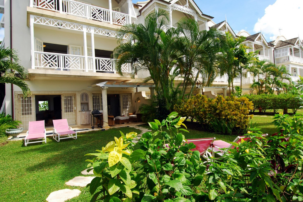 Luxury 3 Bedroom Beachfront Twownhouse with Plunge Pool