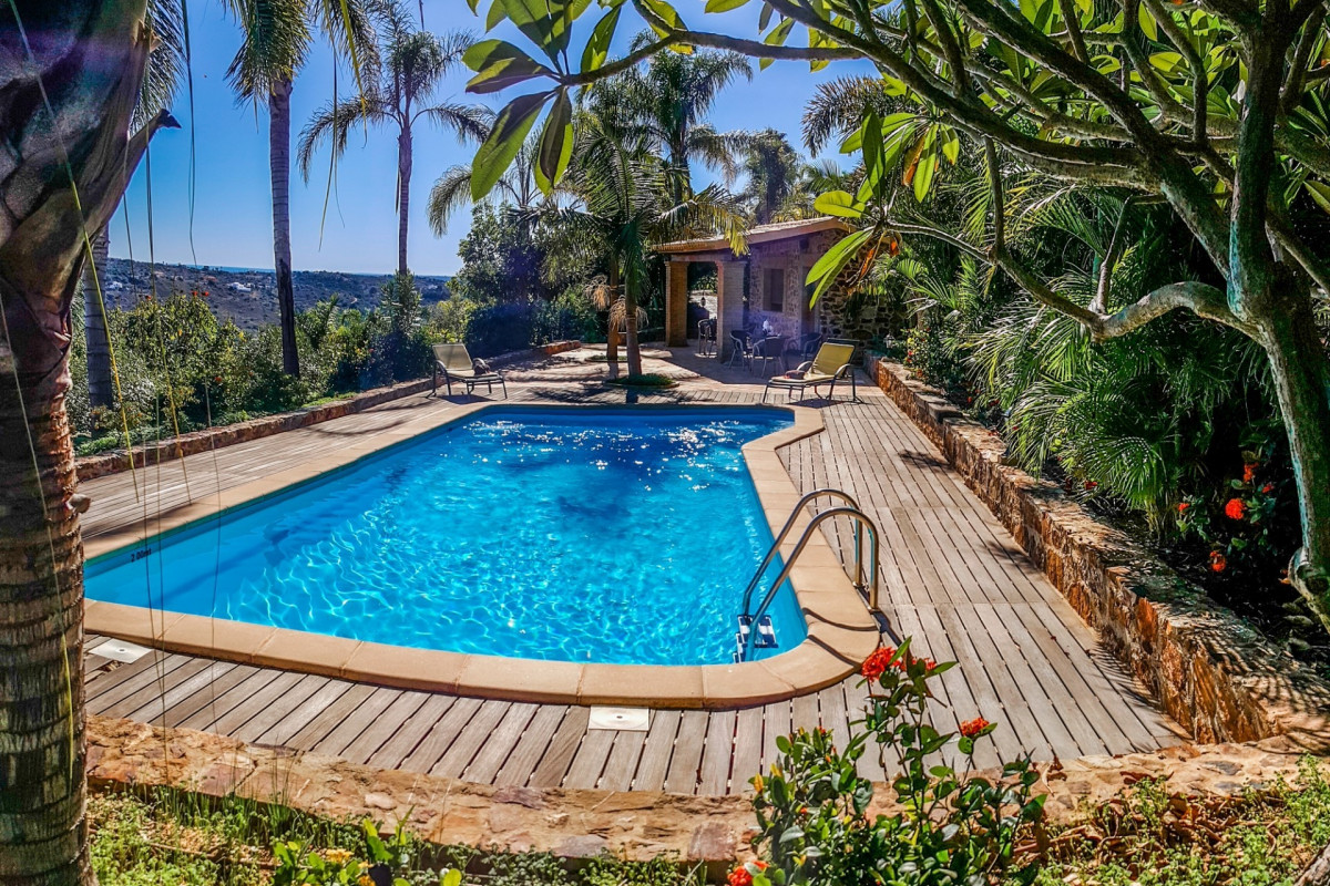 Tropical 4 Bedroom Villa with 2 Swimming Pools