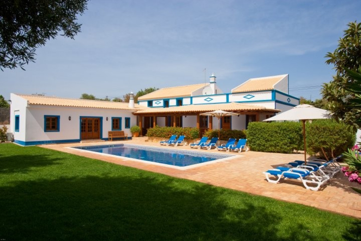 Traditional 3 Bedroom Villa with Two Pools & Large Garden