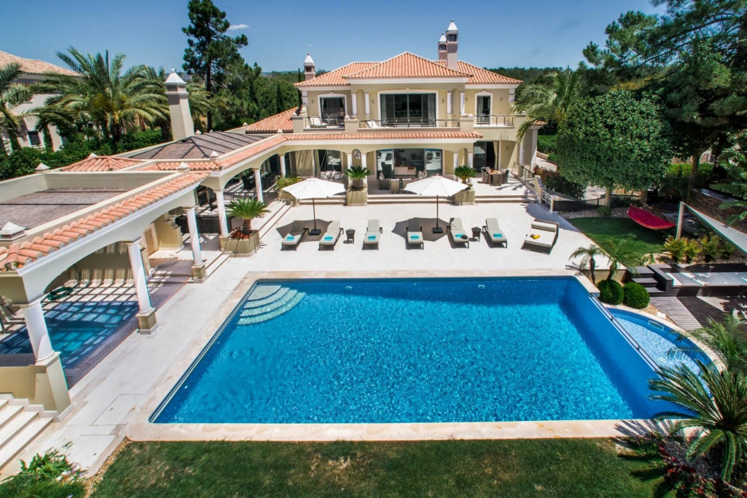 7 Bedroom Villa | in Quinta do Lago| Games Room, Cinema Room & Infinity Pool