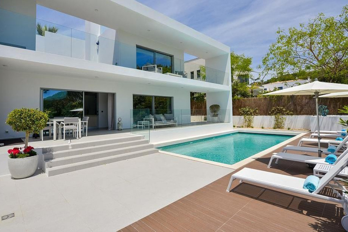 4 Bedroom Villa | between Quinta do Lago and Vale do Lobo | Private Pool
