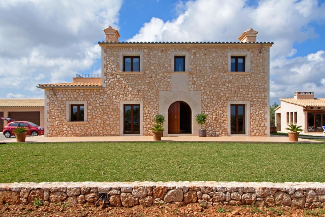 4 Bedroom Villa | Cala D'or Mallorca | Private Swimming Pool