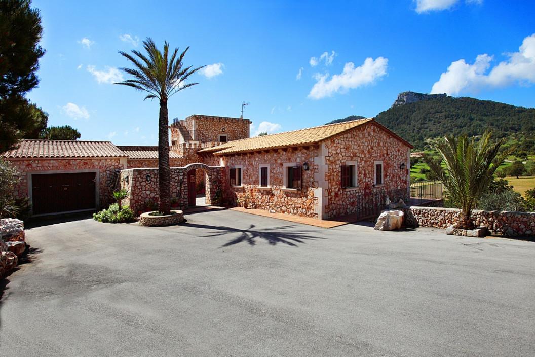 5 Bedroom Villa | Cala D'or Mallorca | Private Pool, Jacuzzi & Sauna