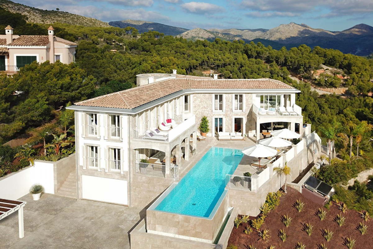 6 Bedroom Villa / Andratx / Infinity Pool /Games Room