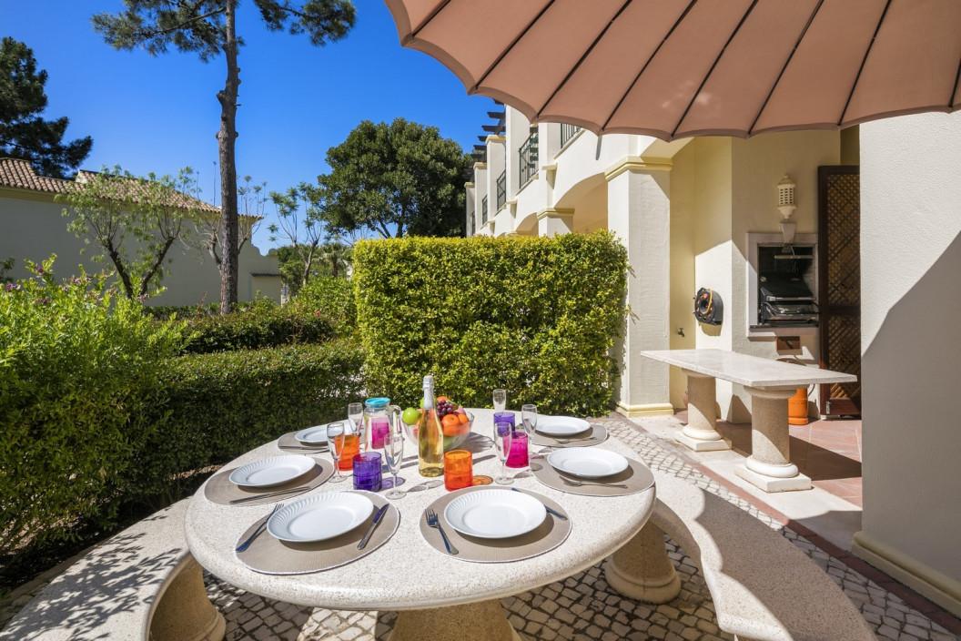 3 Bedroom Apartment    in Pinheiros Altos   Near Golf Course