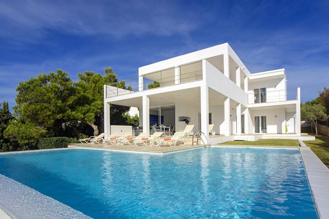 Modern 6 Bedroom Villa | Cala Egos Mallorca | Sea Views and Pool