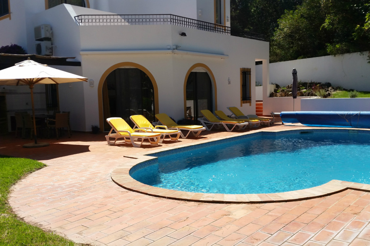 Traditional 4 Bedroom Villa with Large Private Pool