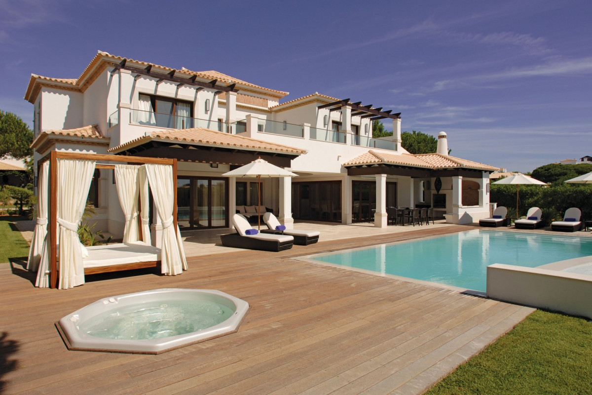 4 Bedroom Villa | Albufeira | Near the Beach and Private Pool