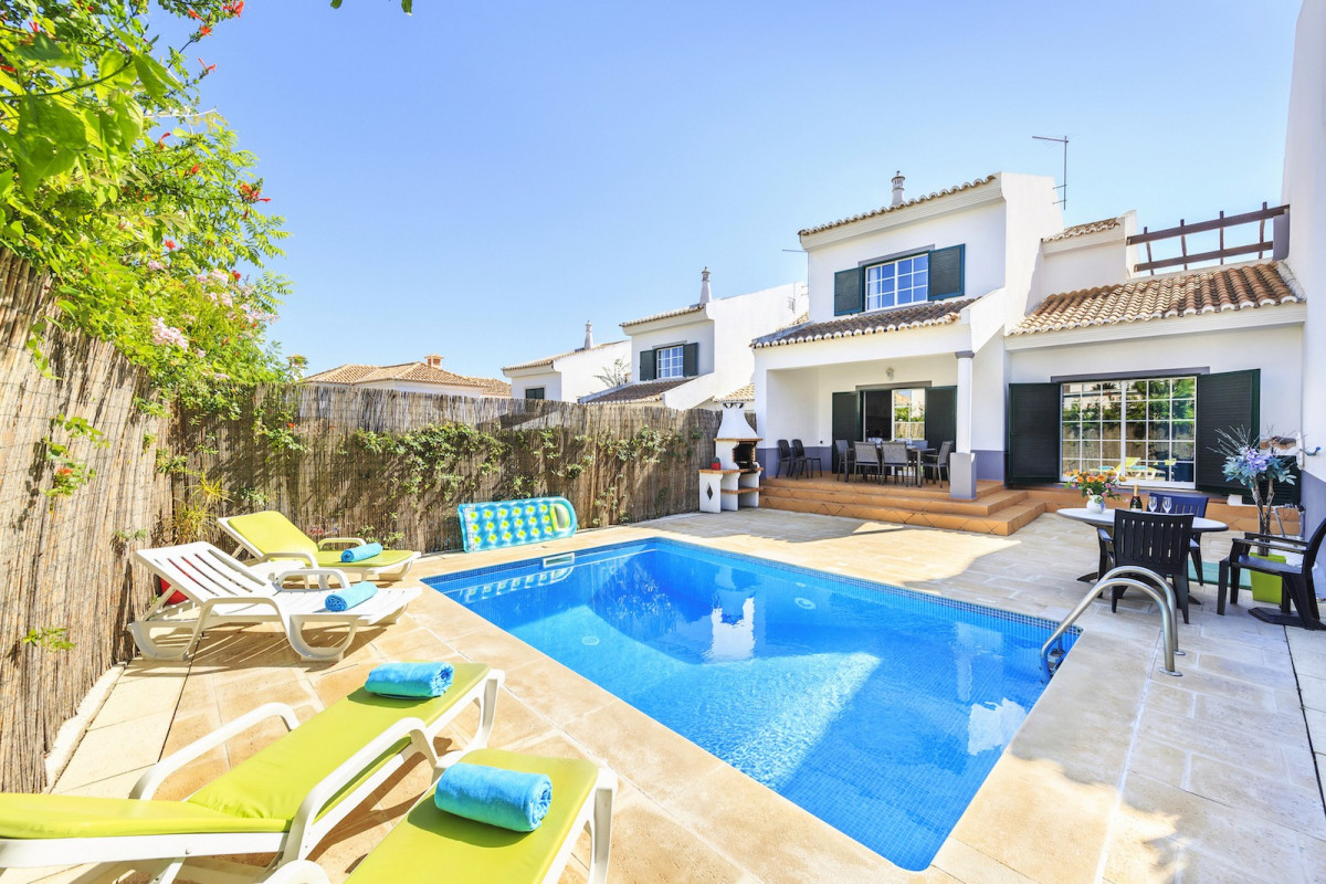 Gorgeous villa which is walking distance to the beach