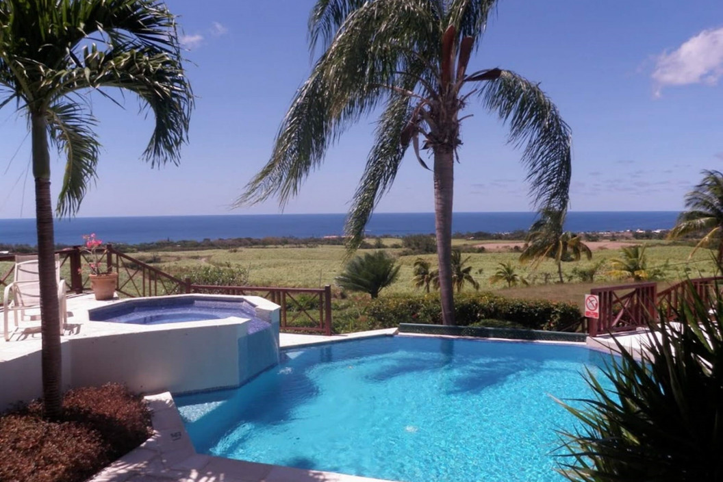 Traditional 5 Bedroom Villa with Private Pool, Jacuzzi & Sea Views
