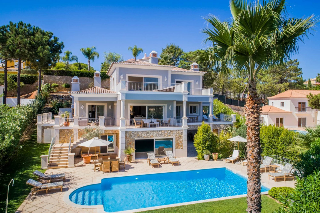 Modern 6 Bedroom Villa with Private Outdoor Pool, Indoor Pool & Games Room