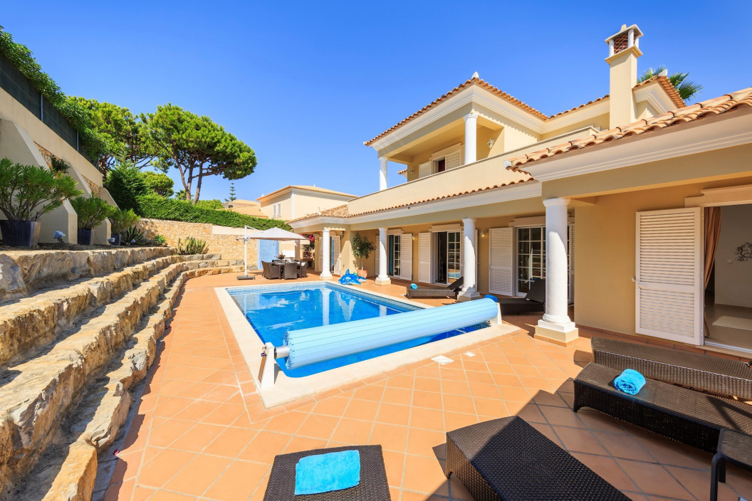 Stunning 4 Bedroom Villa in a Tranquil Area with Private Pool