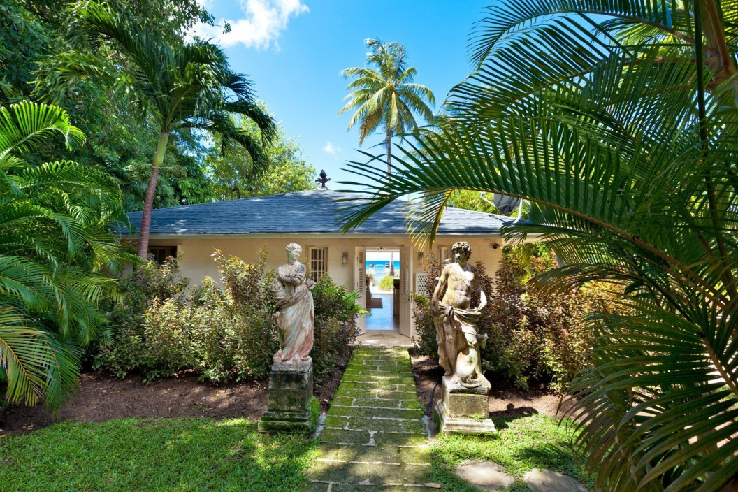 1 Bedroom Honeymoon Beachfront  Villa with Private Pool