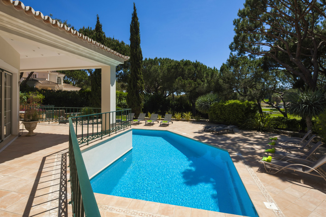 Luxury 5 Bedroom Traditional Villa with Private Pool