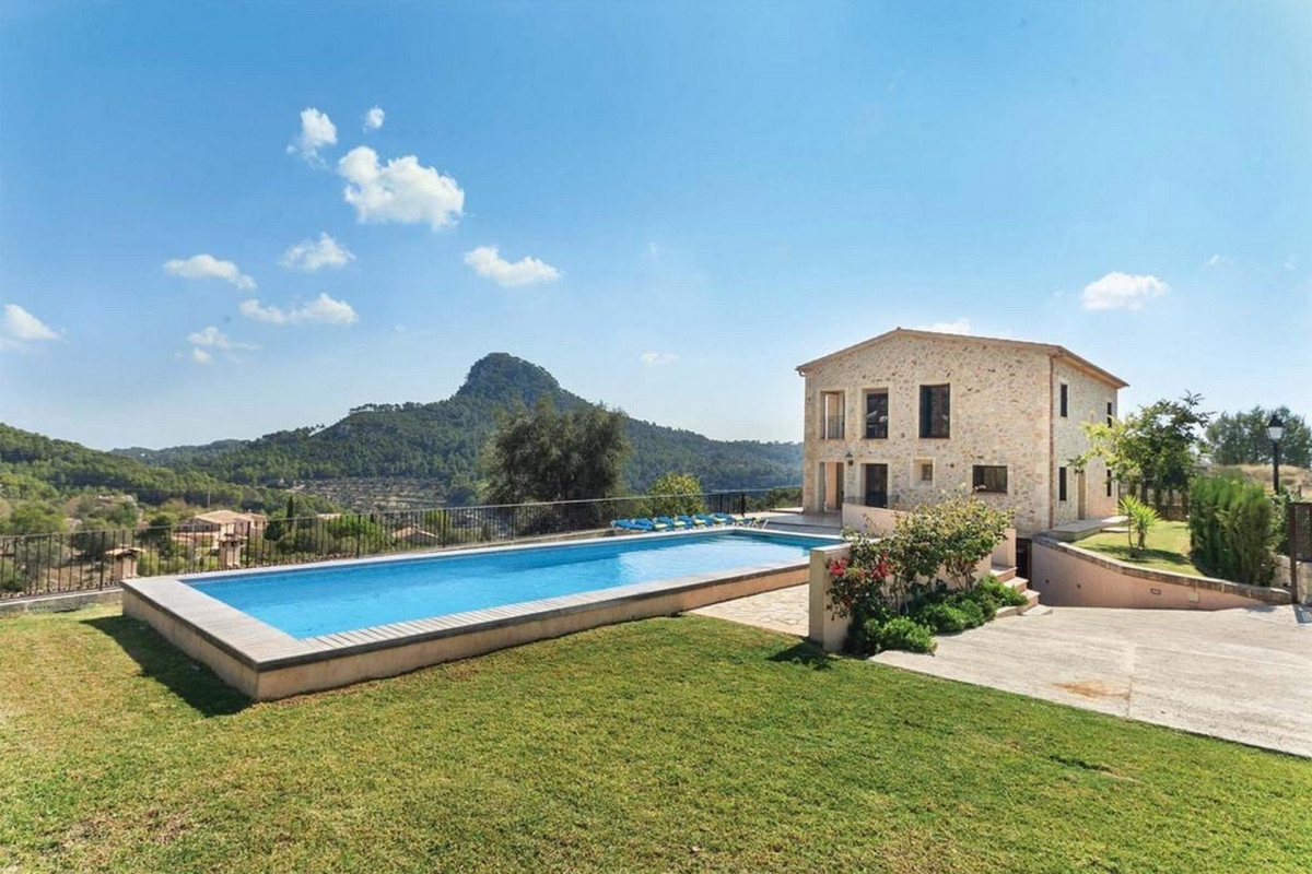 4 bedroom property in Galilea