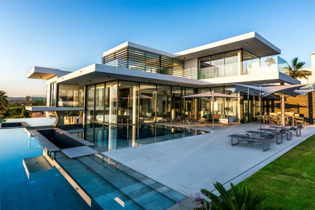 6 Bedroom Villa with Infinity Pool & Ocean View