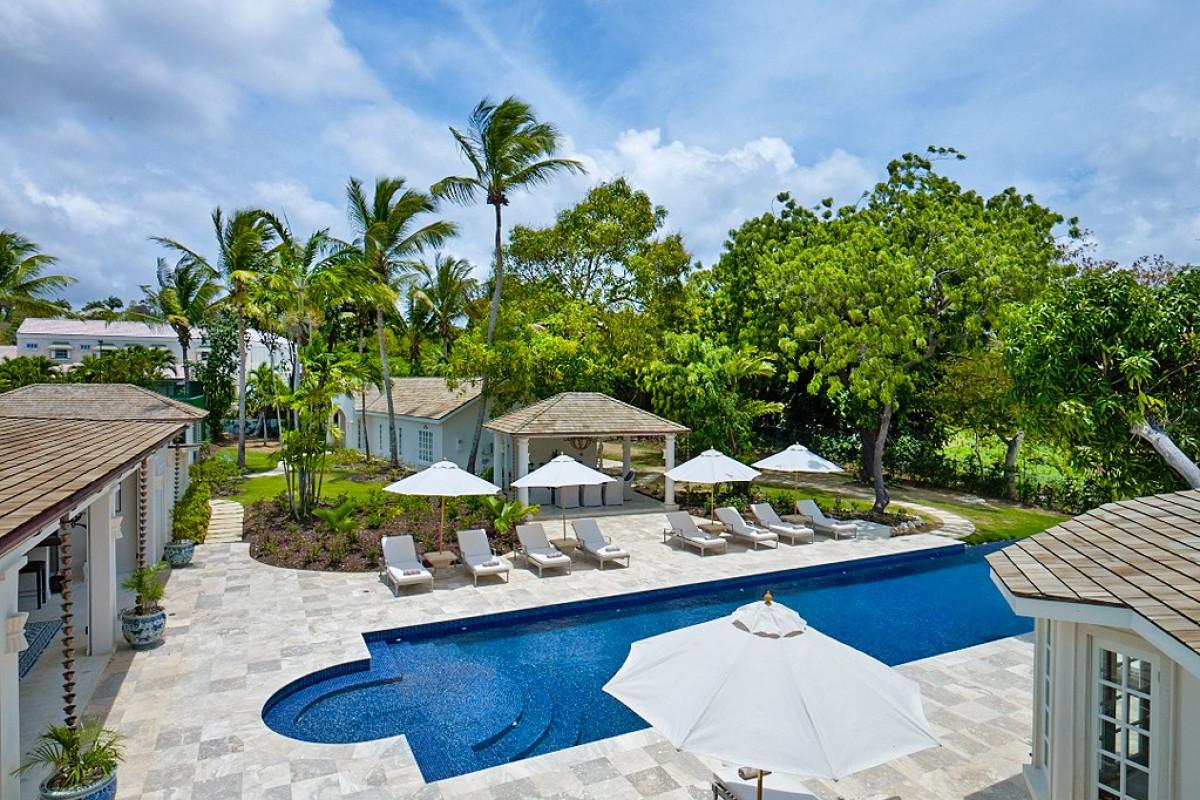 7 Bedroom Villa with Infinity Pool & Tennis Court