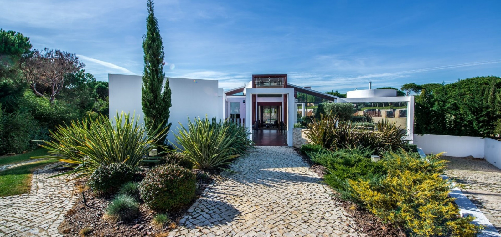 Luxury Villa Near Victoria Golf Course Algarve for Rent - Chicane