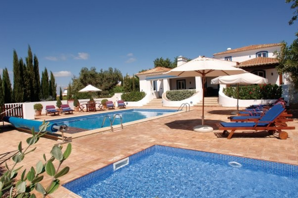 Modern 5 Bedroom Villa with Two Pools & Games Room