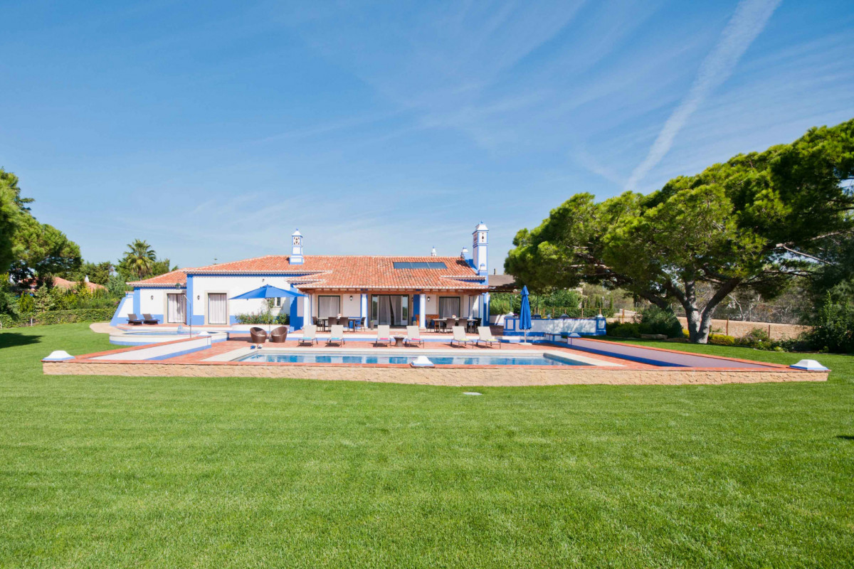 Stylish 4 Bedroom Traditional Villa with Private Pool