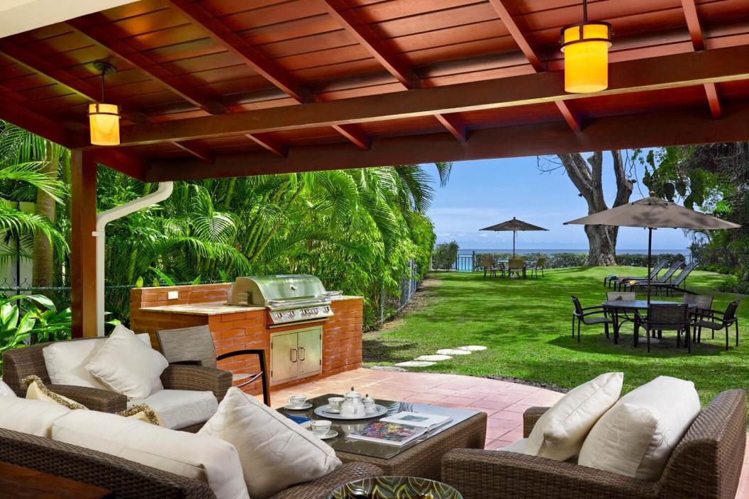 3 Bedroom Beachfront Villa with Plunge Pool 7 Garden