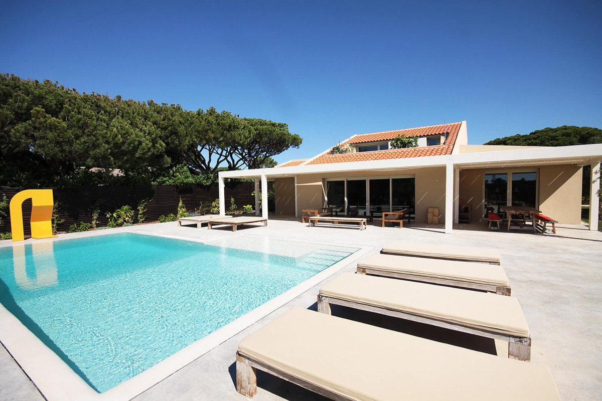 Modern 5 Bedroom Villa with Annexe and Private Pool