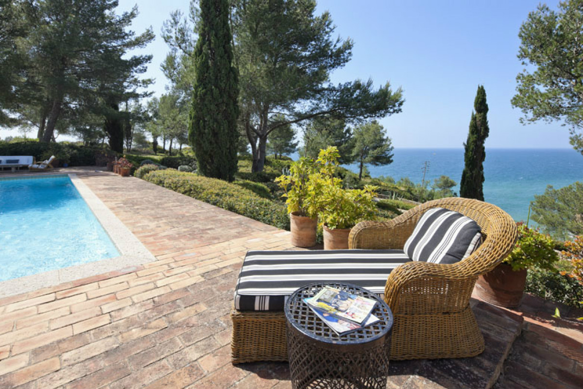5 Bedroom Villa with Tennis Court & Beach Access