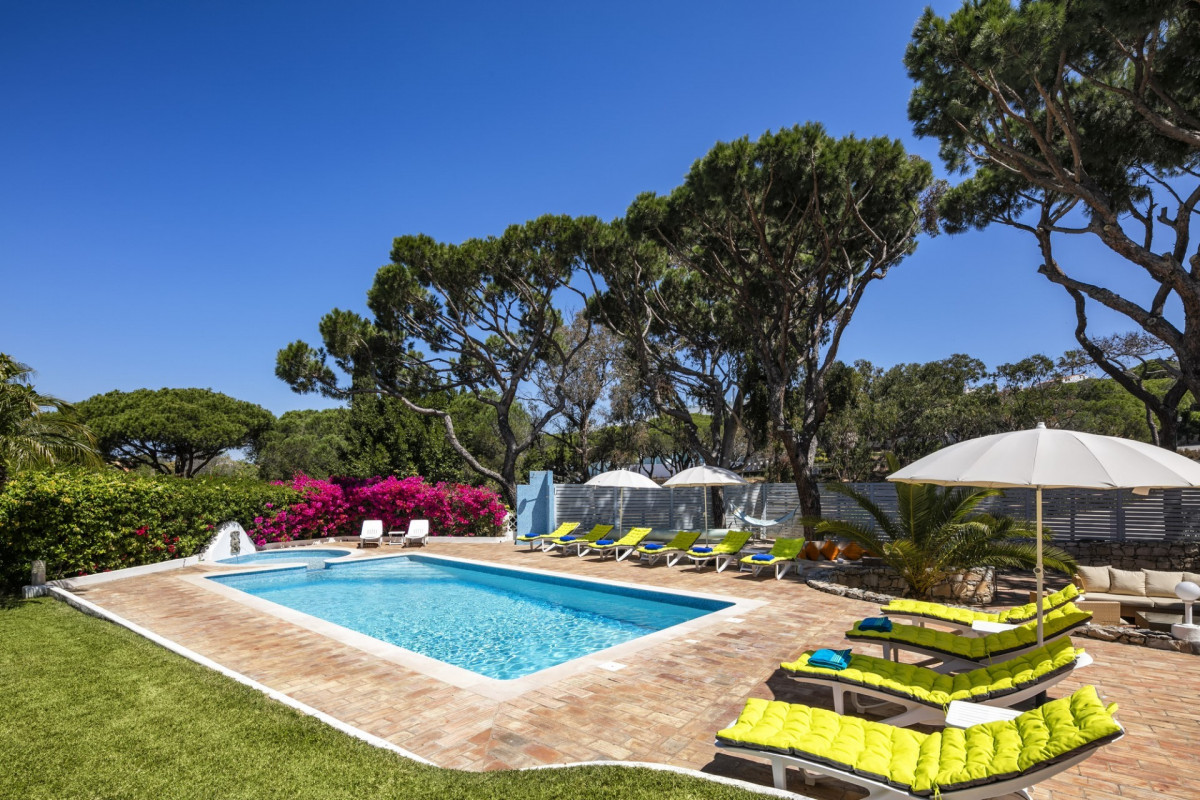 Luxury 7 Bedroom Villa with Private Pool in Vale do Lobo