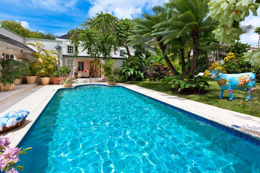 Colonial Style 5 Bedroom Villa with Pool & Beach Access