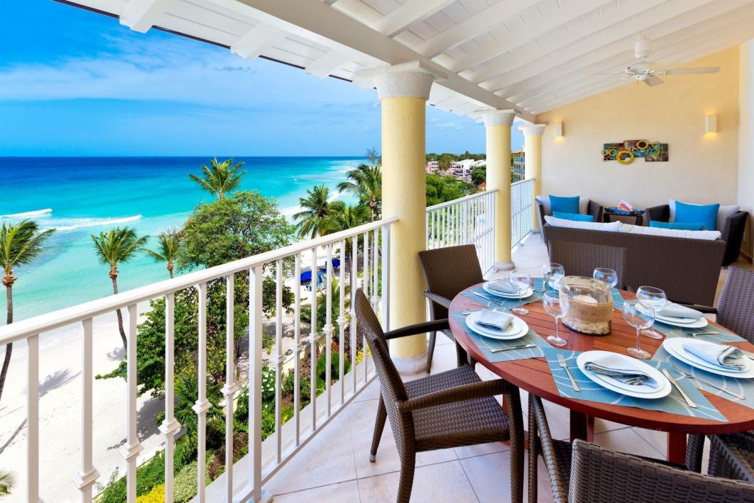 3 Bedroom Beachfront Apartment with Pool & Sea Views