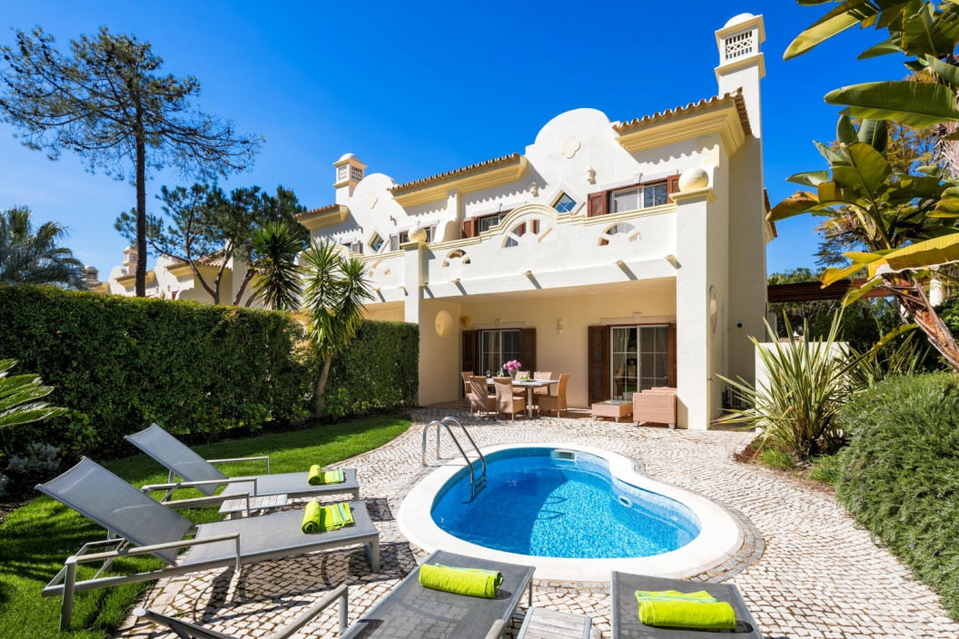 Stylish 3 Bedroom Self-Catering Townhouse with Plunge Pool