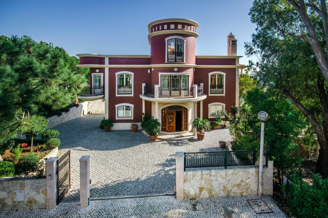 6 Bedroom Villa | Albufeira | Private Pool, Jacuzzi and Sea Views