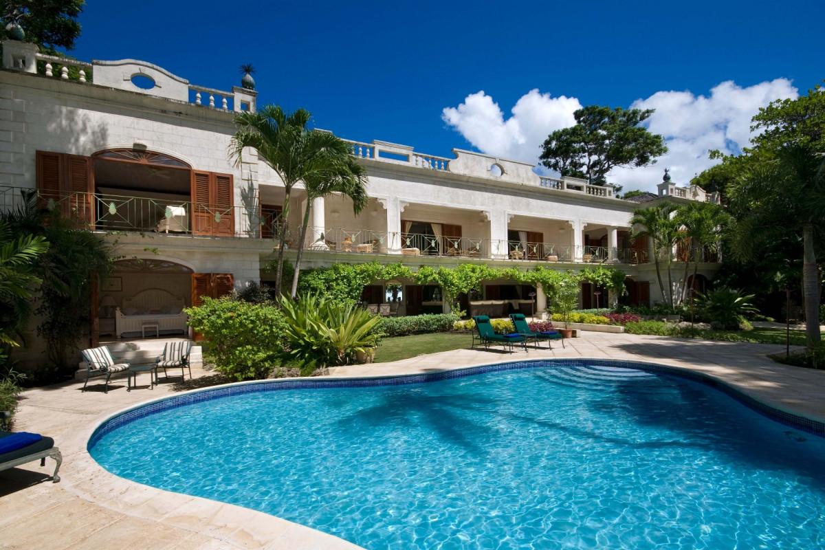 5 Bedroom Villa |  St Peter | Beachfront with Private Pool & Gym