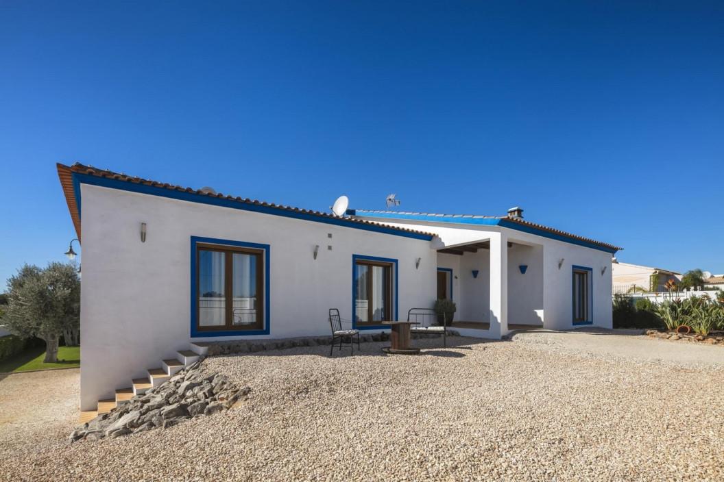 4 Bedroom Farmhouse | Fonte De Louseiros, Central Algarve | Private Pool & Play Area
