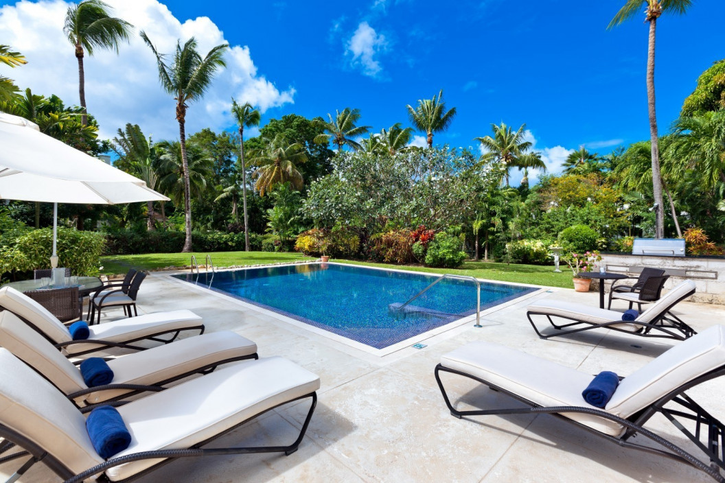 3 Bedroom Villa   in Gibbs Beach   with Private Pool & Tropical Gardens