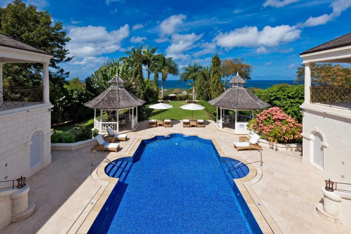5 Bedroom Villa with Pool, Putting Green & Ocean View